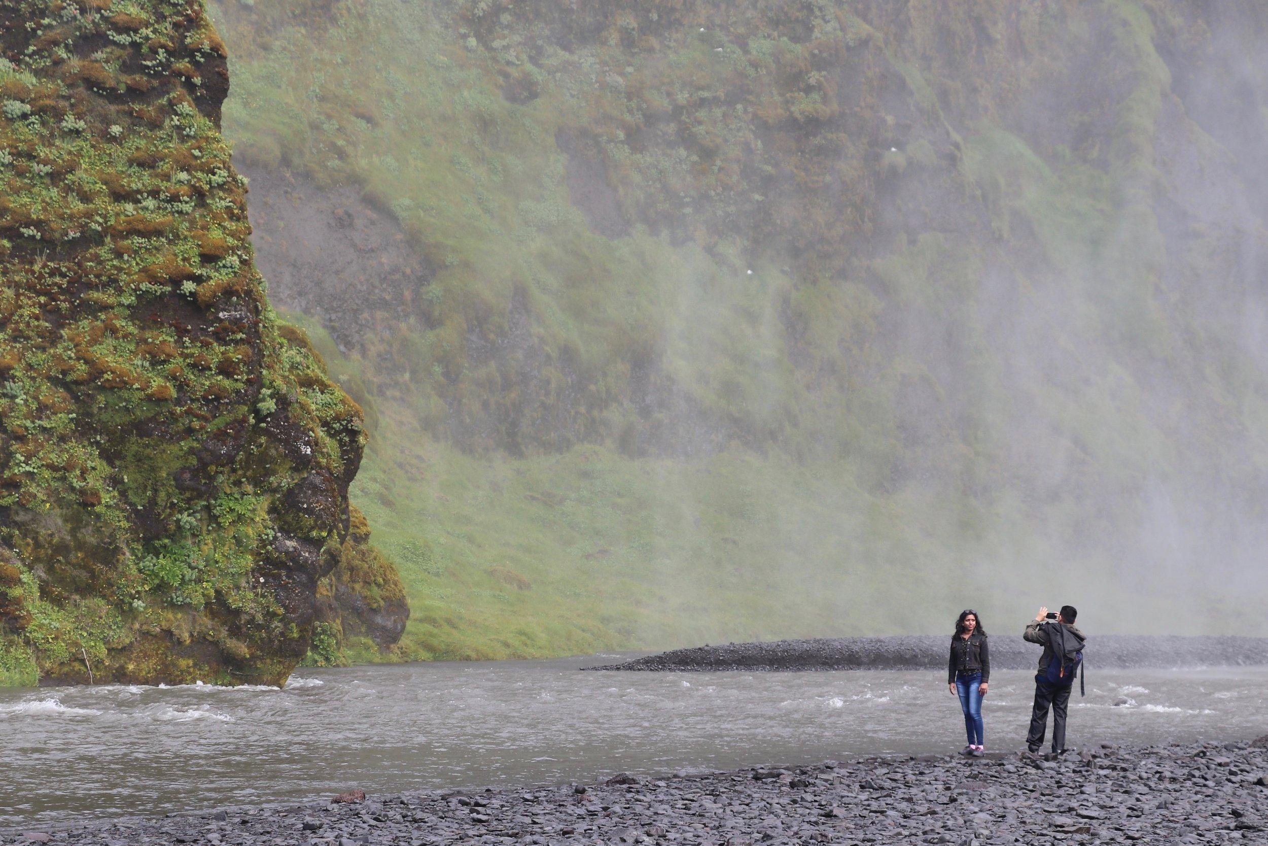 couple-photograph-waterfall-iceland