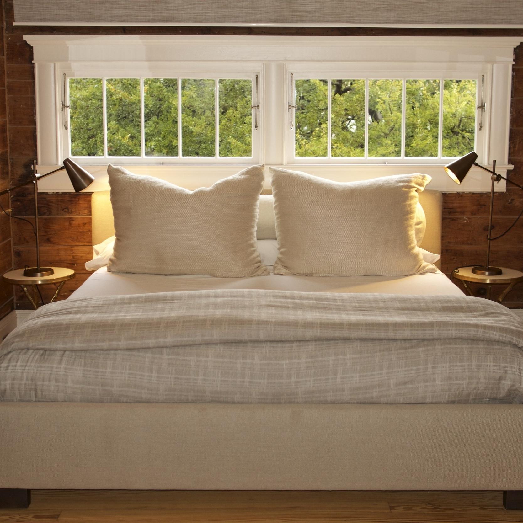 bedroom-nook-libeco-linen