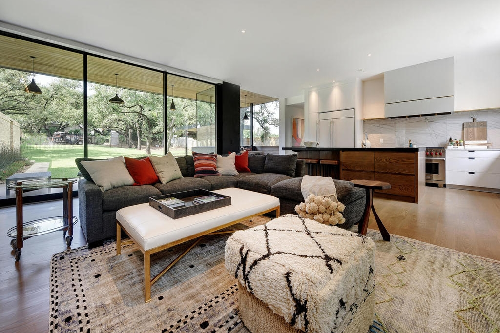page_home_design_family_room.jpg