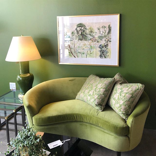 Suzie never goes to Houston without stopping in to @foundhouston - this scene in #pagehomedesign signature green has us all swooning! 💚 #greenforever