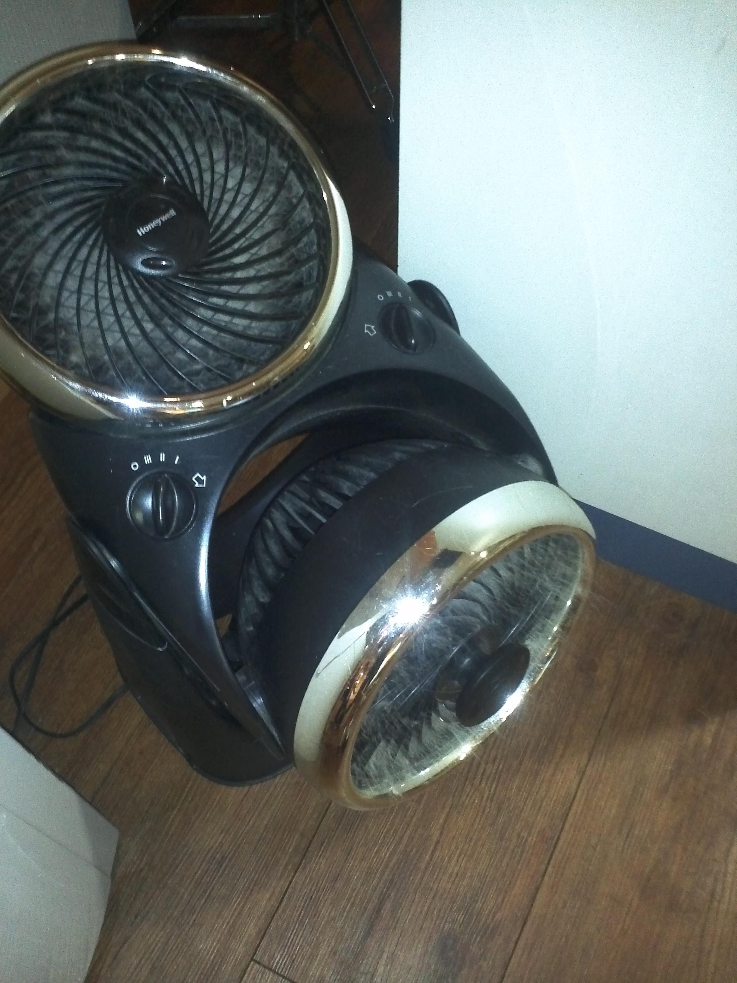 Fur Fan