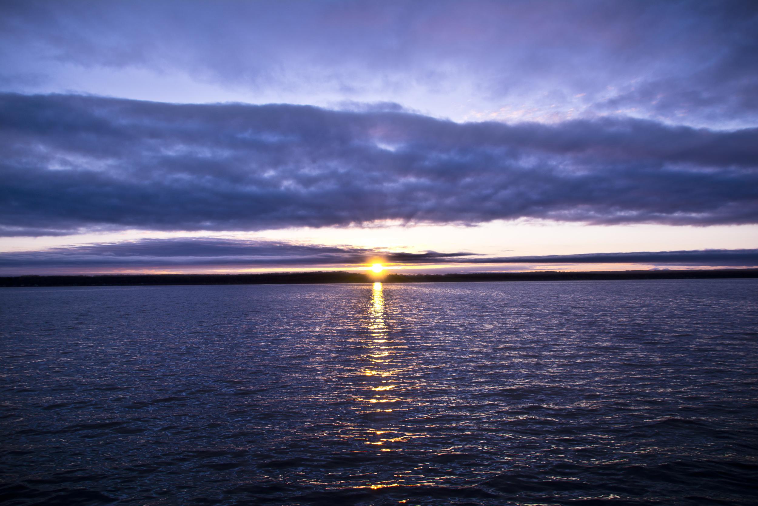 Cayuga lake sunburst 5516.jpg