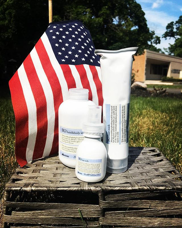 Red, white and SU ❤️ In honor of fourth of July, we are doing giveaway for one lucky winner! Follow the rules below to enter for a chance to win our SU hair and body wash, hair mask, and mini hair milk! ✨ Happy 4th of July everyone 🇺🇸❤️ • •Follow is @redhead_salon • •Like this photo ✔️ • •Tag two friends in the comments 👏🏼