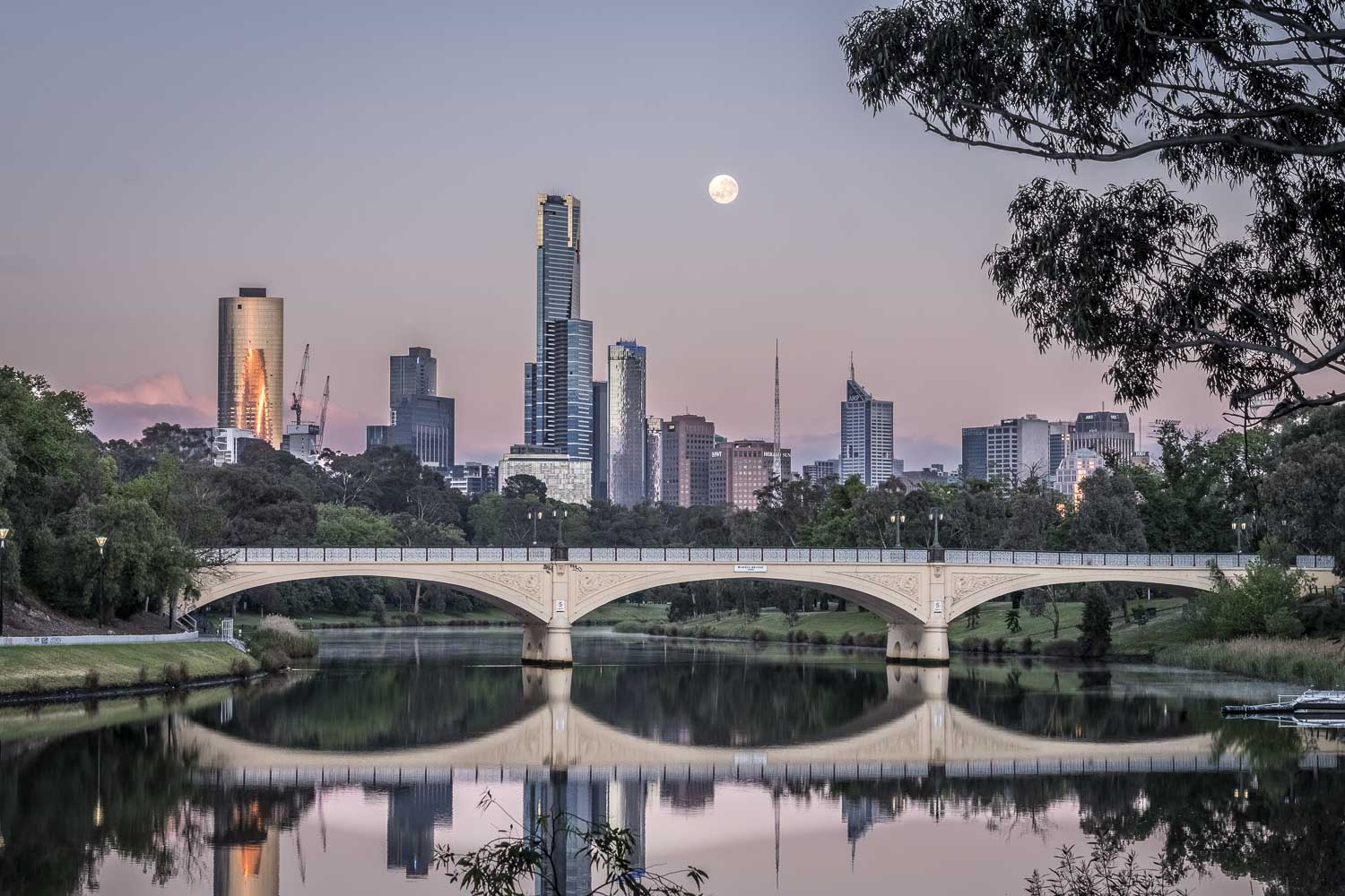 Moonrise reflections over Melbourne, Morell bridge
