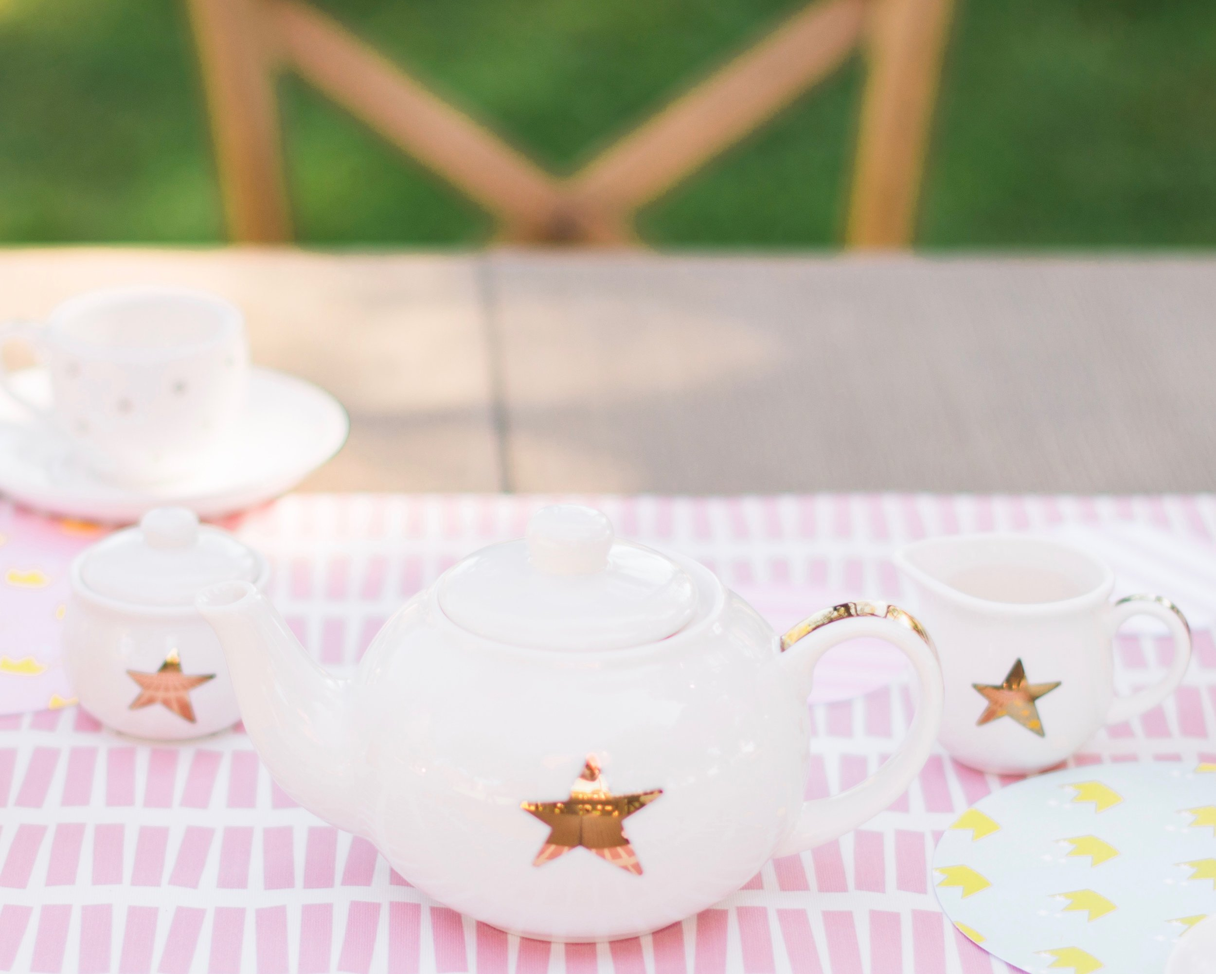 I love this  tea set!