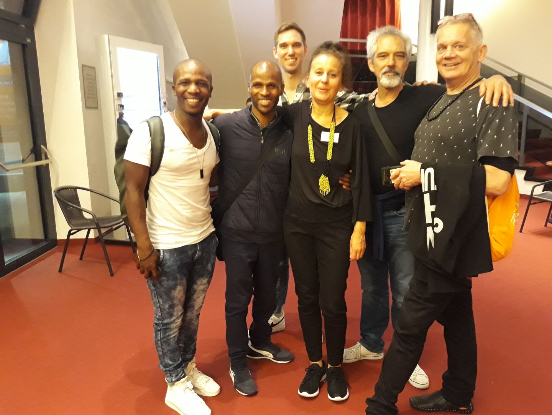 Zusammen mit den Gewinnern aus Südafrika -