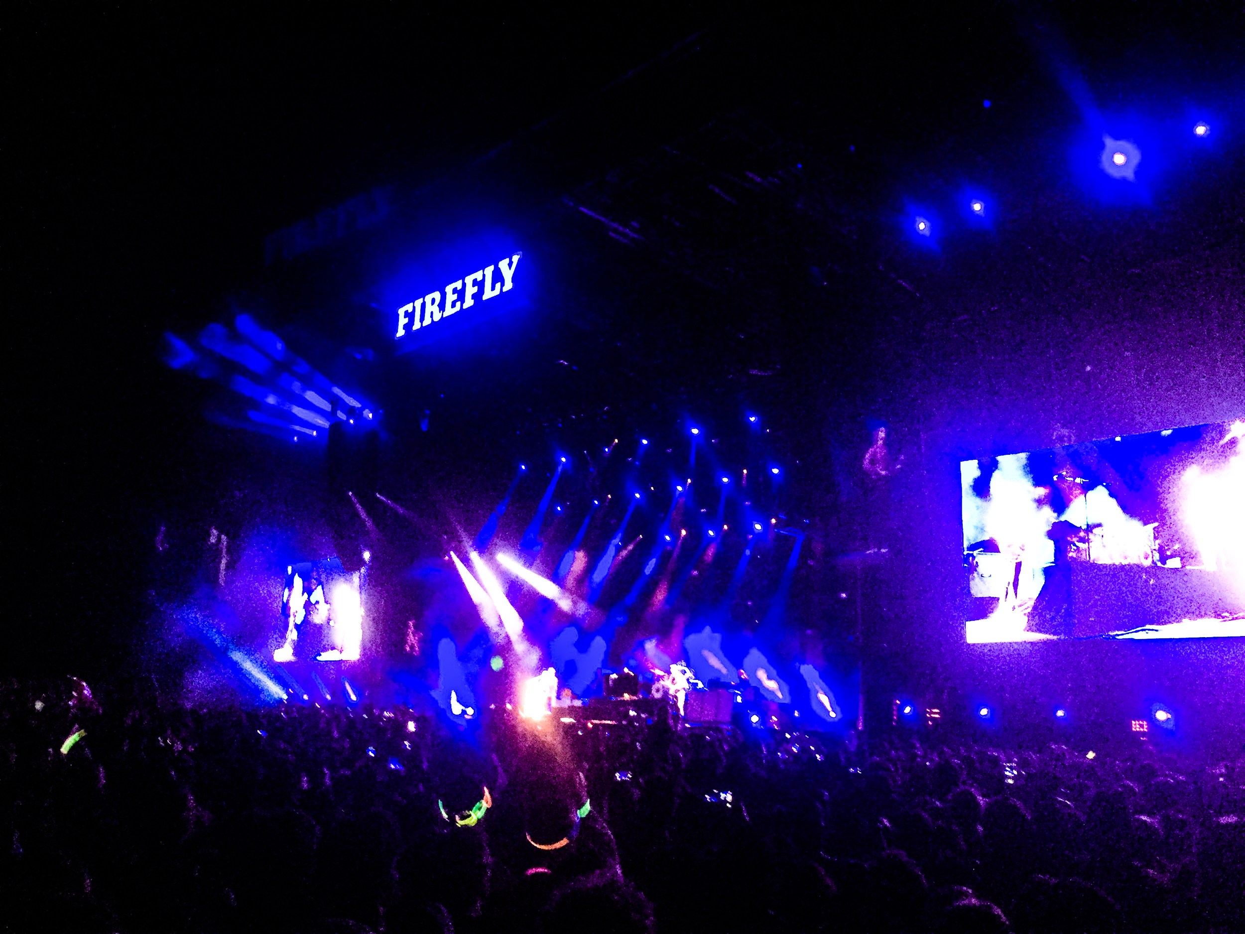 What a way to end the craziest music experienceI have been to.  THE KILLERS