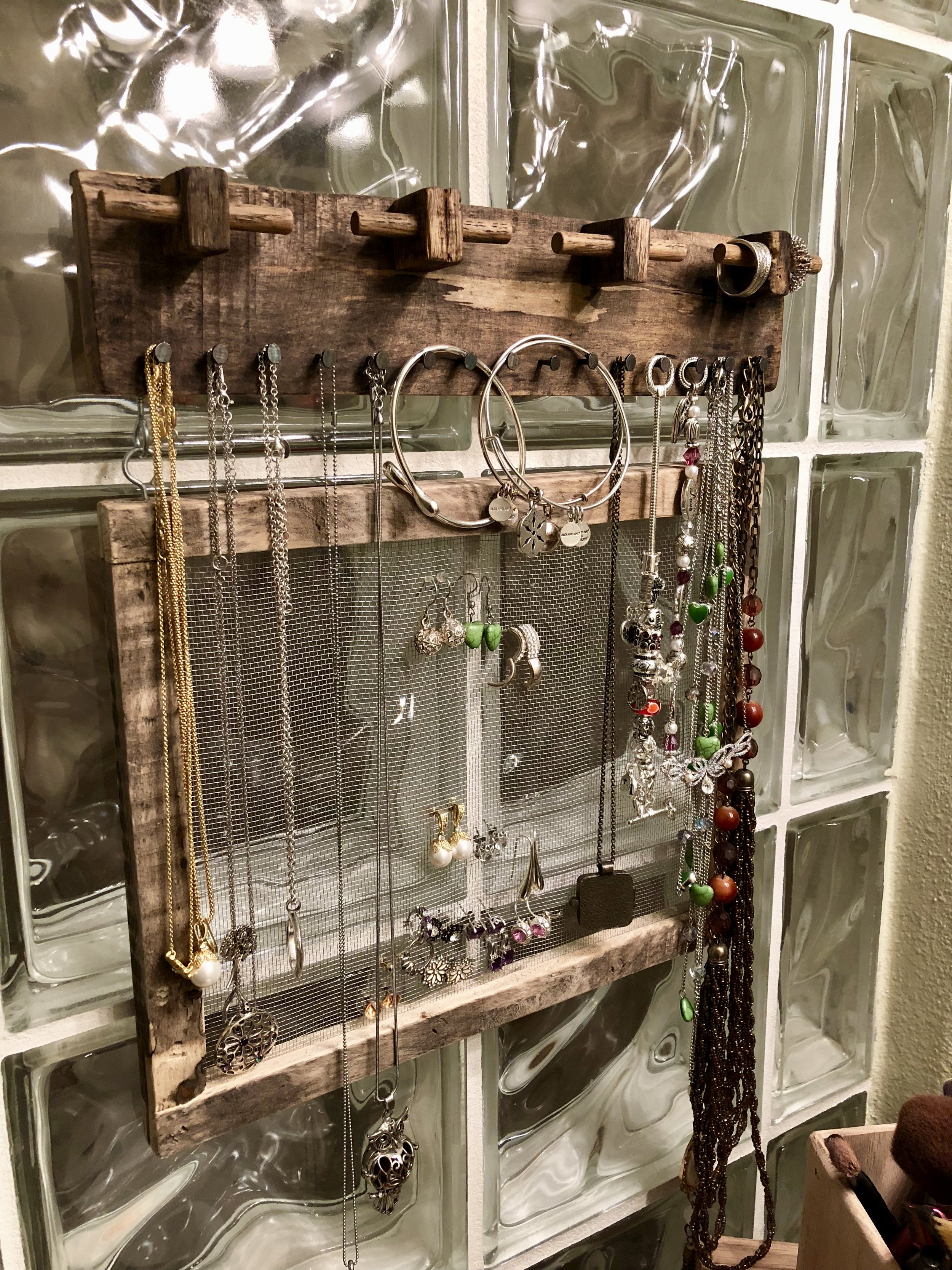 Pallet Wood Jewelry Holder