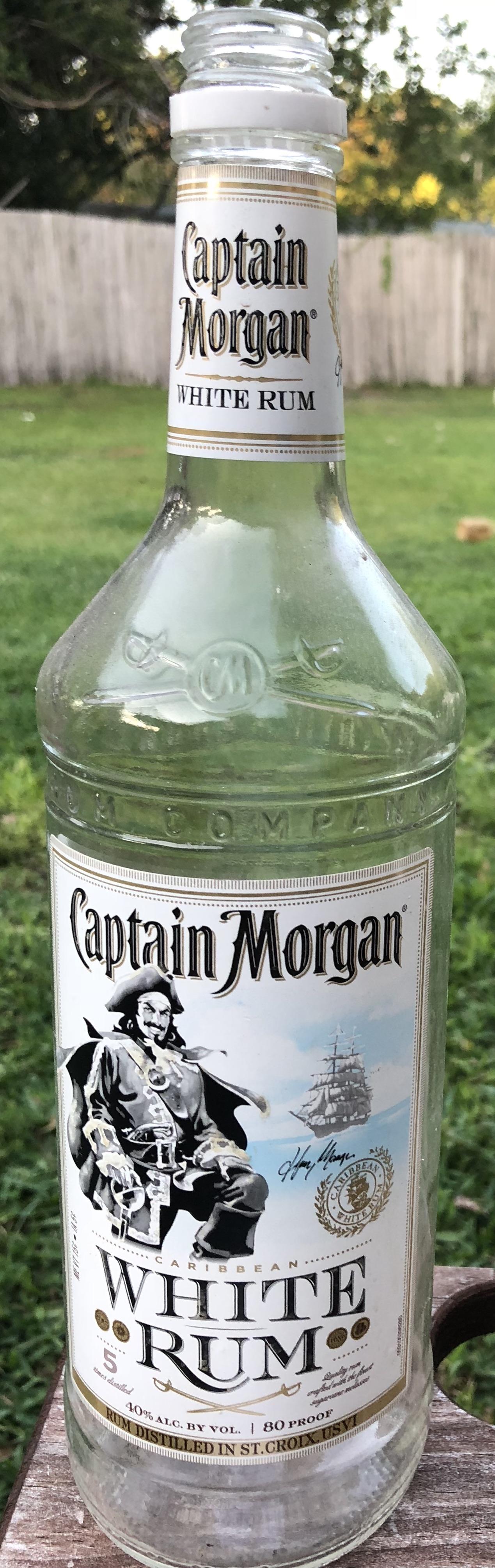 Captain Morgan White Rum.jpg