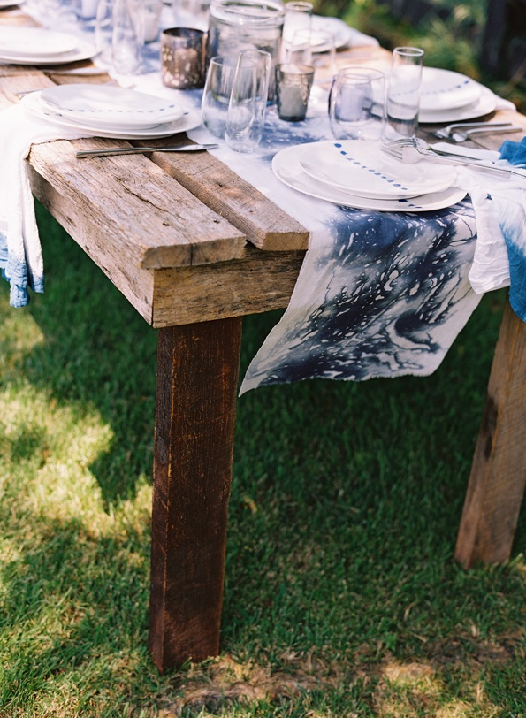 farmhouse-table-decorations-hand-dyed-blue-white-table-runners-napkins-china-table-setting.jpg