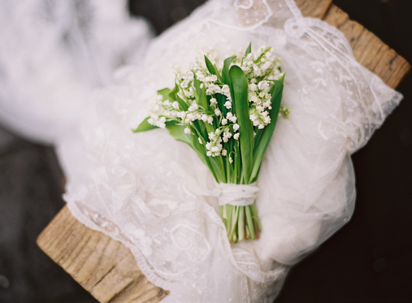 lily-of-the-valley-bouquet-brussles-lace-vintage-veil.jpg