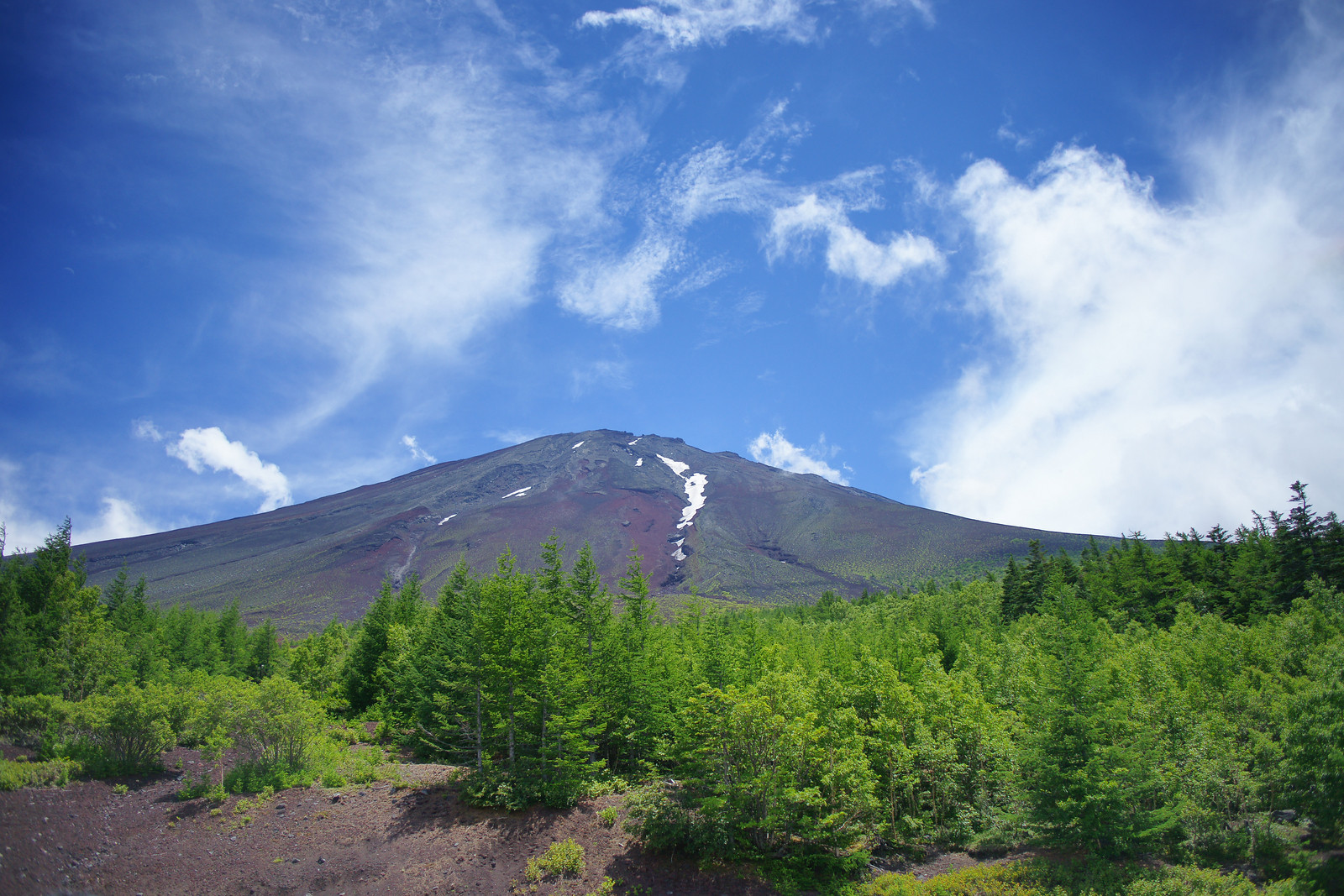 A rare glimpse of Mt Fuji summit in summer (Japan)