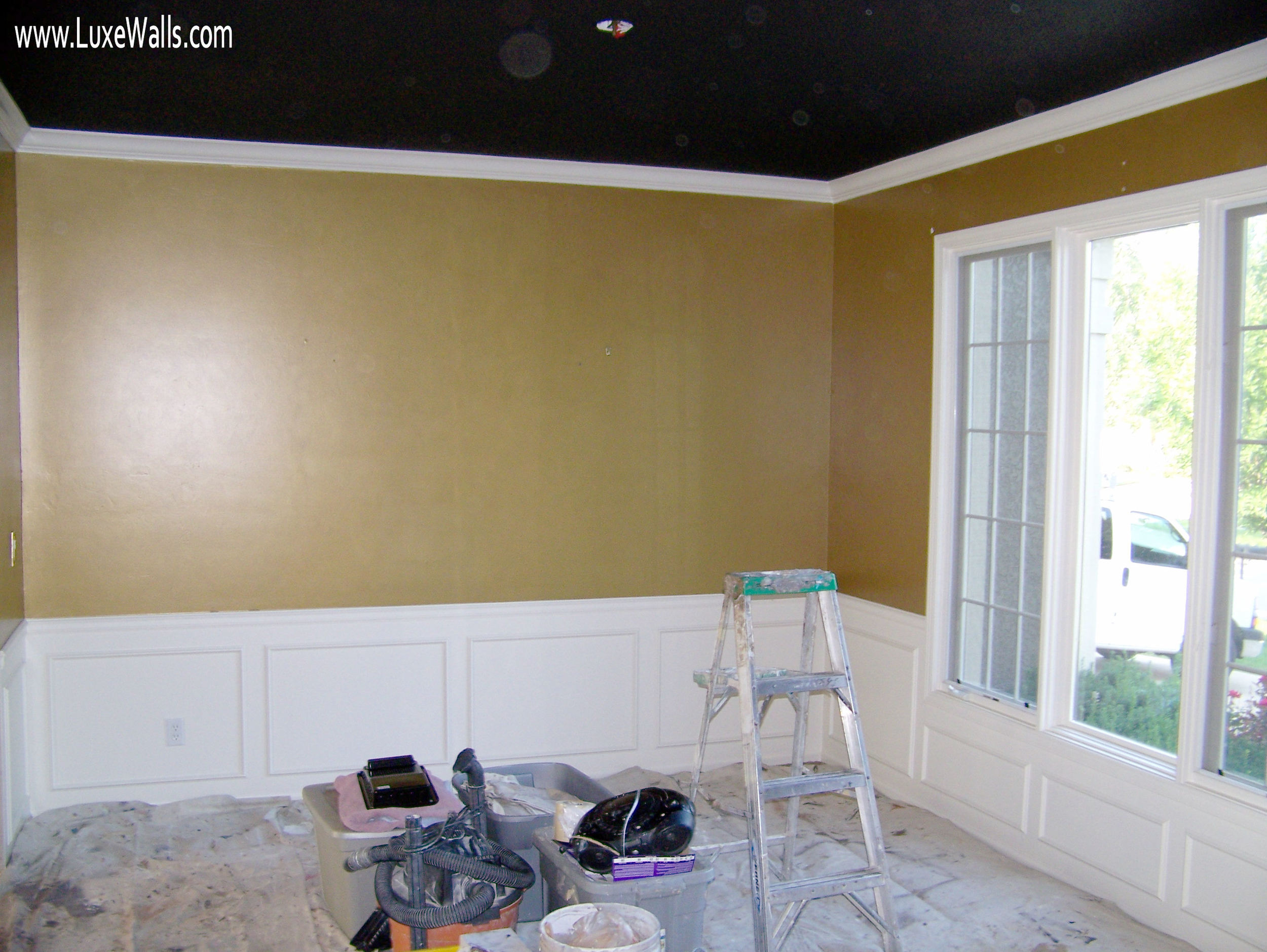 dining room - before Luxe Walls