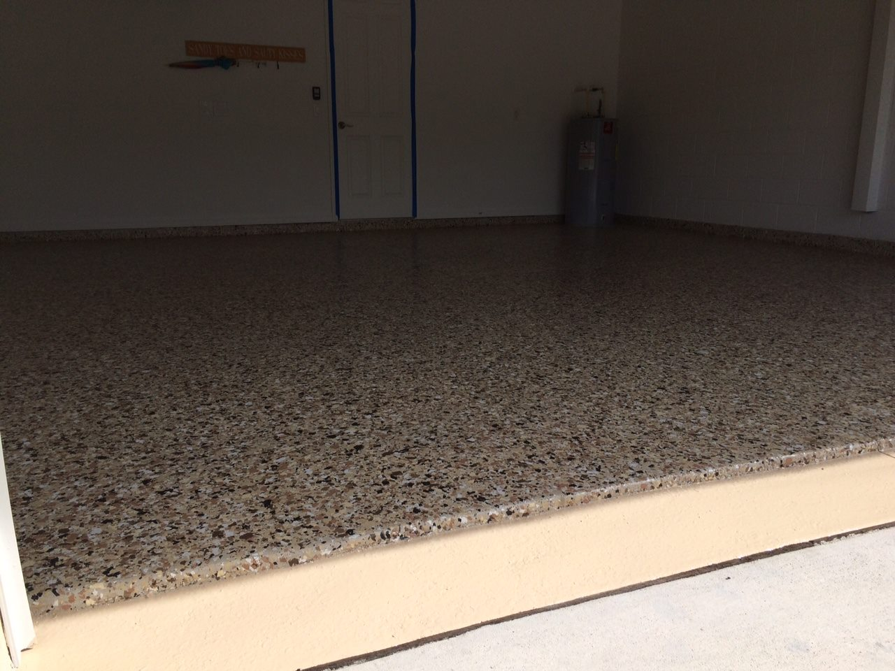 epoxy floor flake tan.jpg