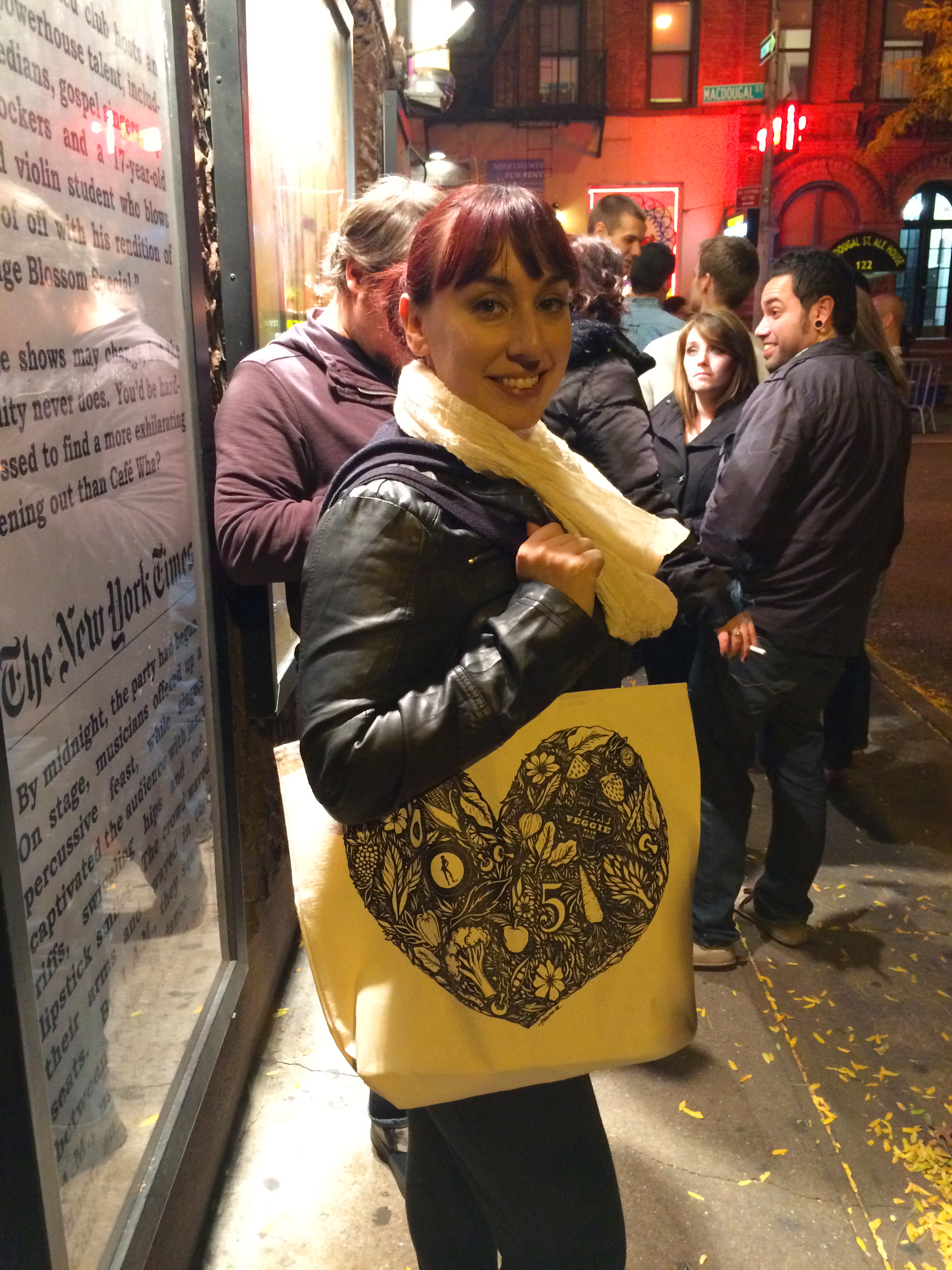 While in line at the Comedy Cellar, I snapped this shot of my lovely friend Stefanie with my Cykochik//Texas Veggie Fair tote!