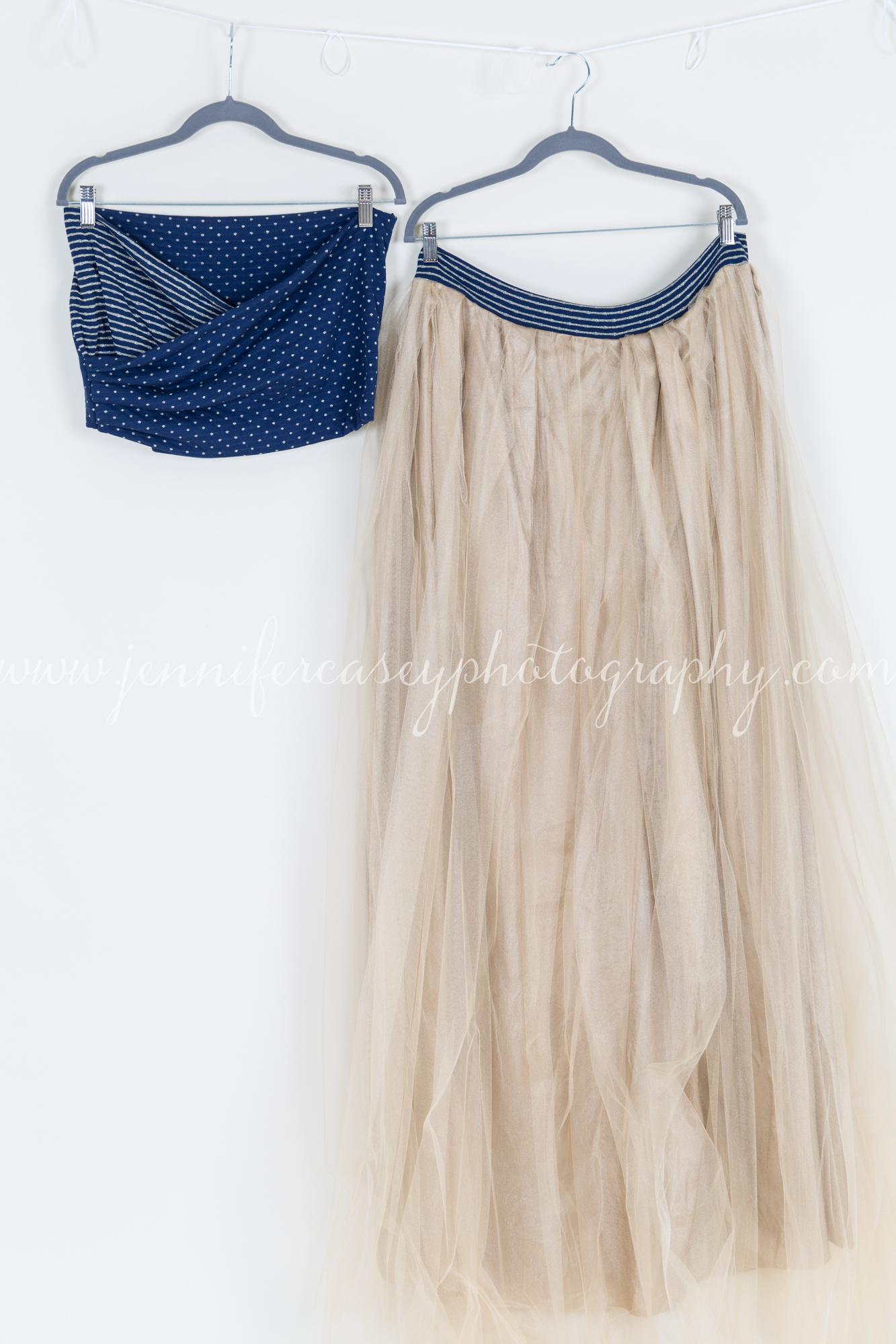Studio Props Maternity Dresses-2.jpg