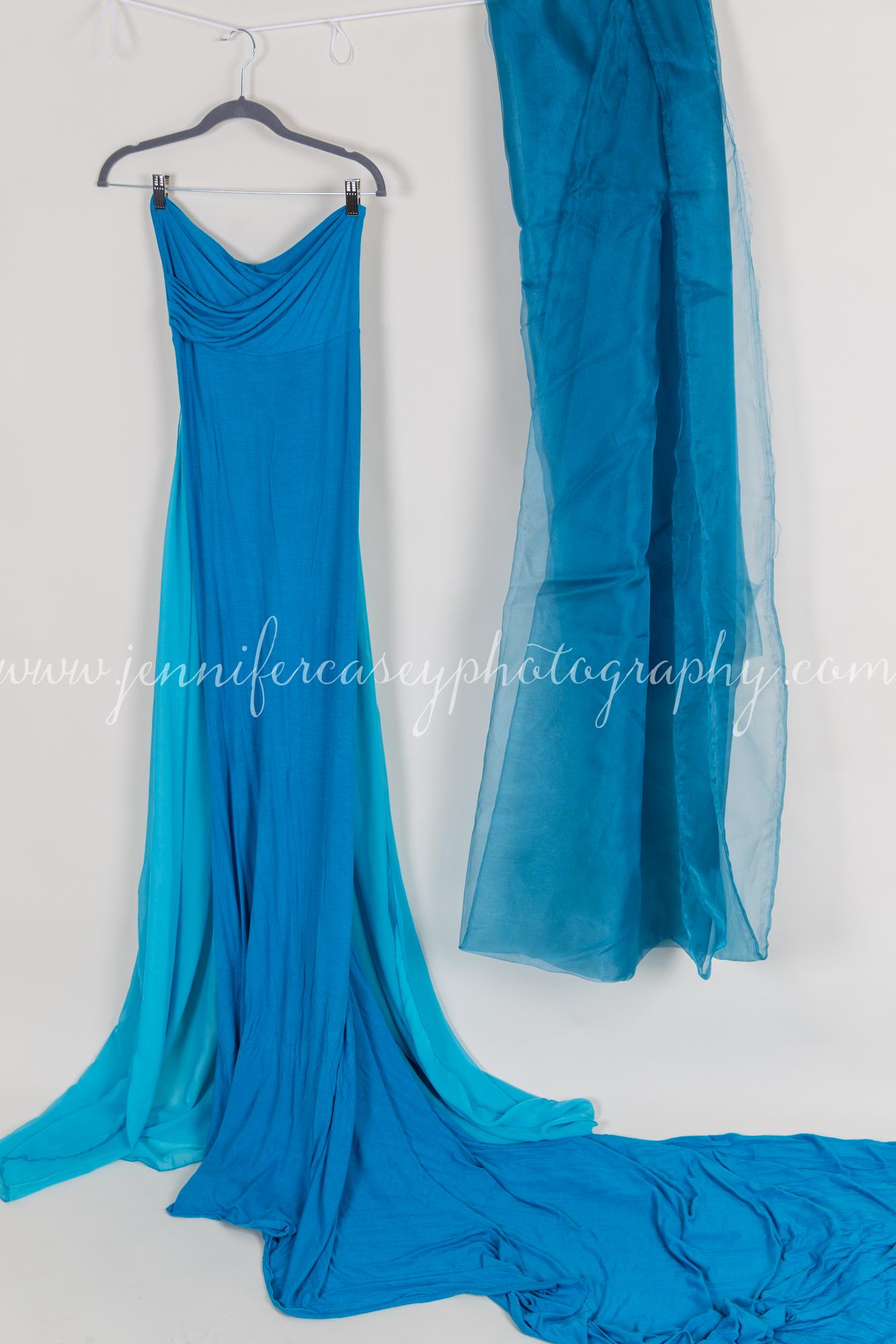 Studio Props Maternity Dresses-11.jpg