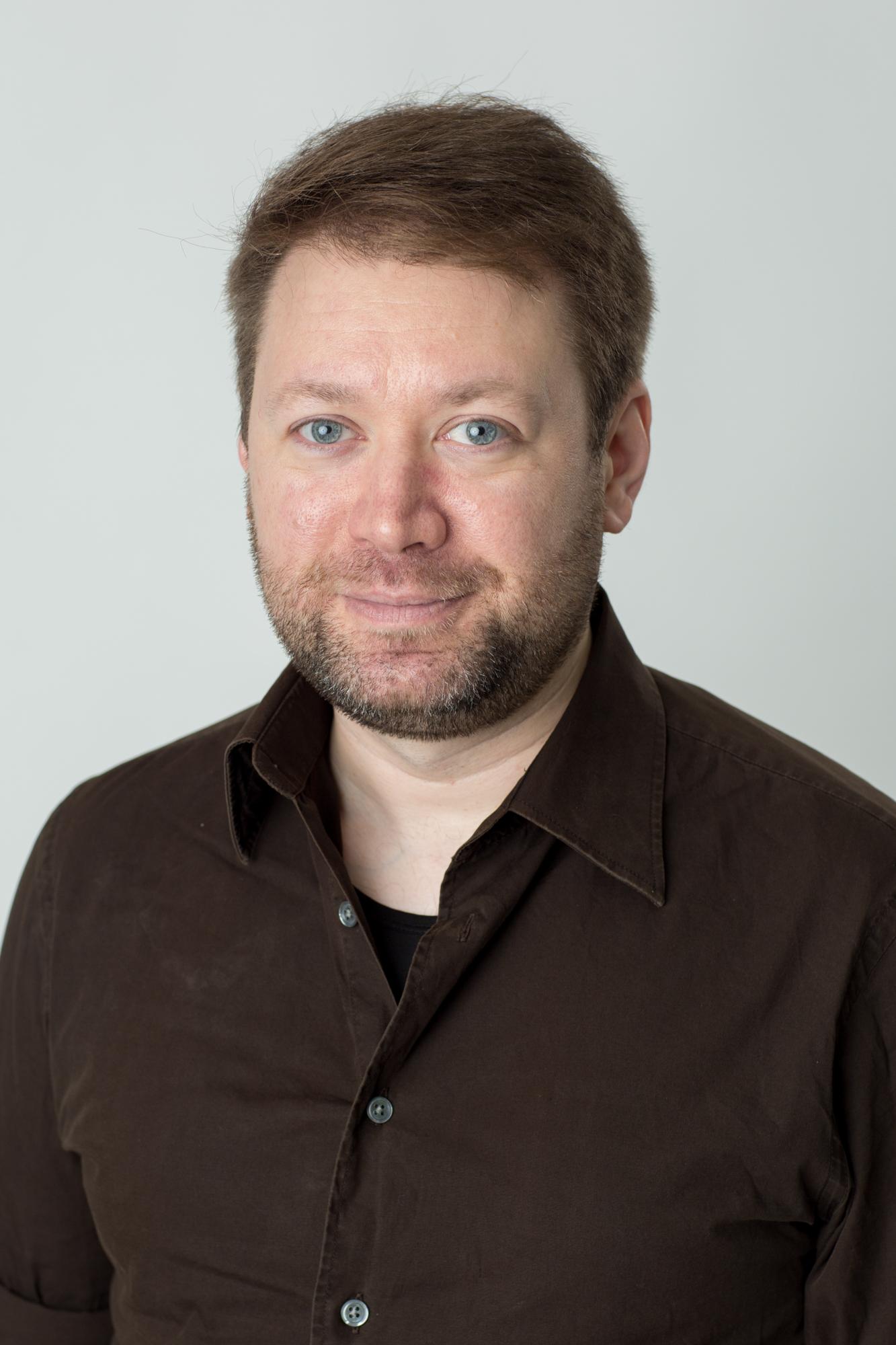 Jeff Headshot Websize-4615.jpg