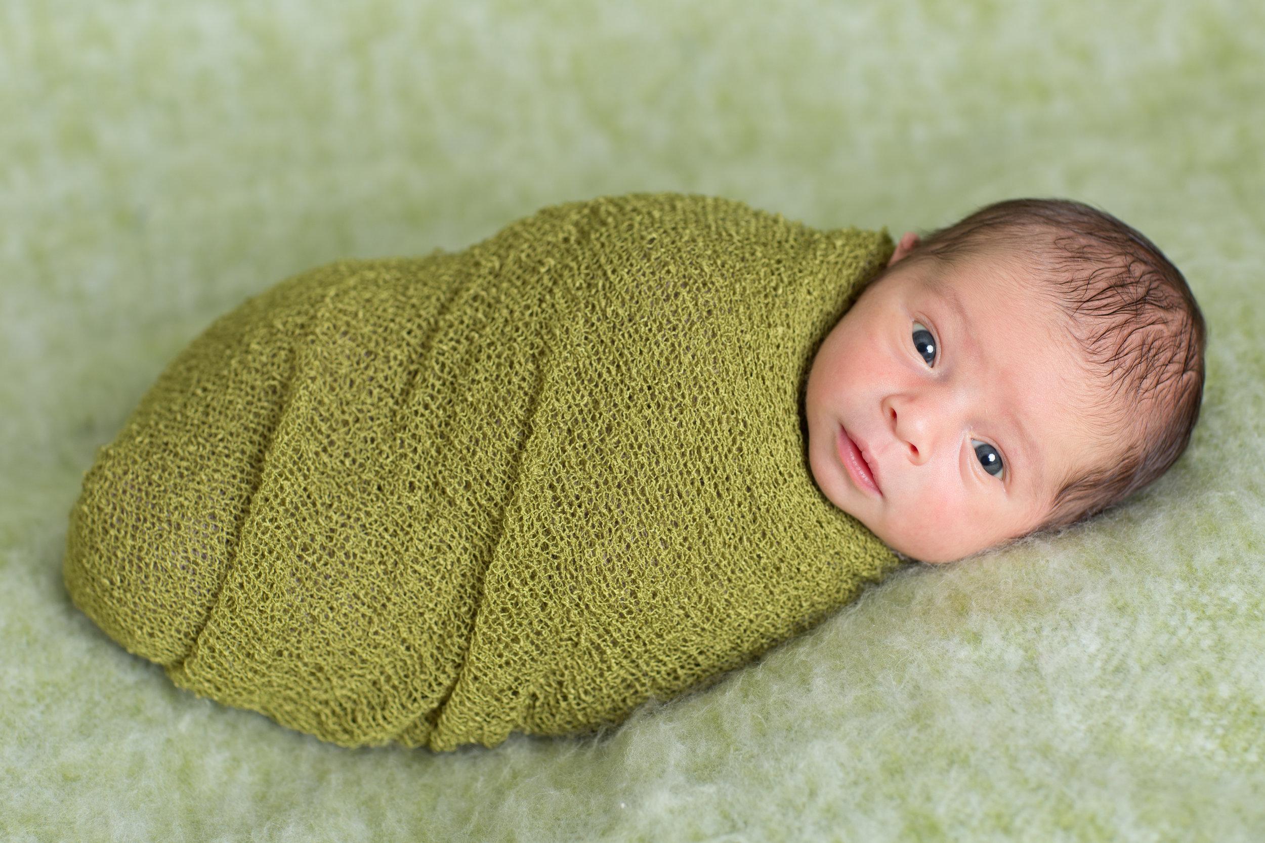Cruz Newborn-35.jpg
