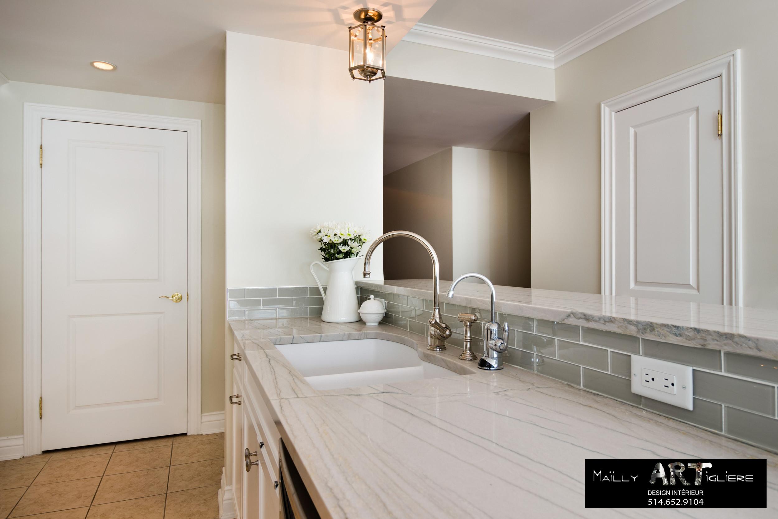 Nettoyer comptoir de granit