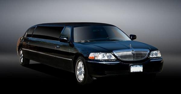 Lincoln Limousine.jpg