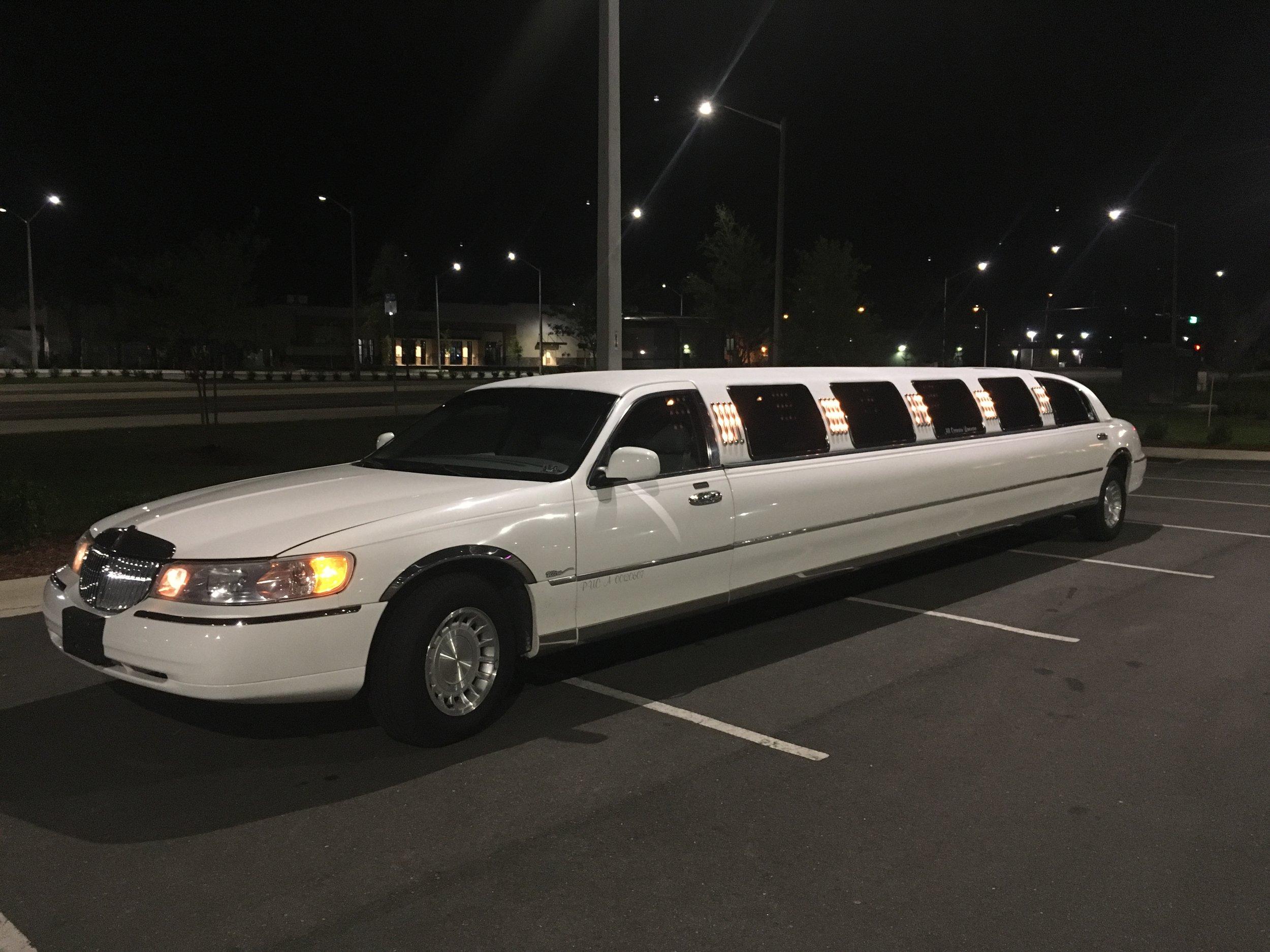 FTS Limousine - Tanzanite Exterior