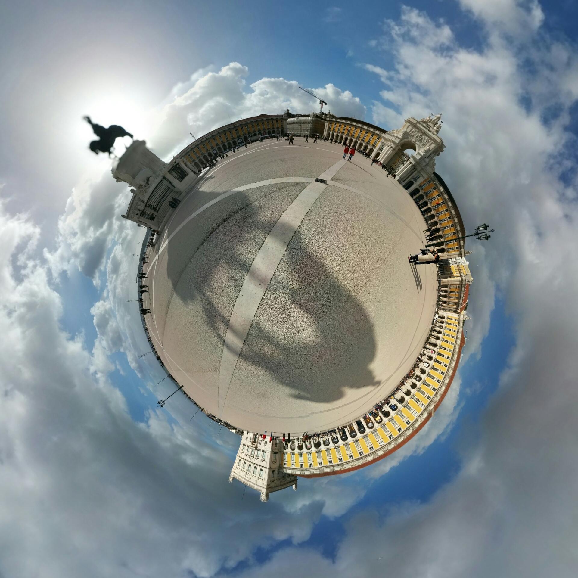 Lisbonne - Place du commerce.jpg