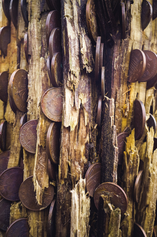This was a wooden post with coins embedded. We were too tight to join in. There's an economic downturn, tha knows.