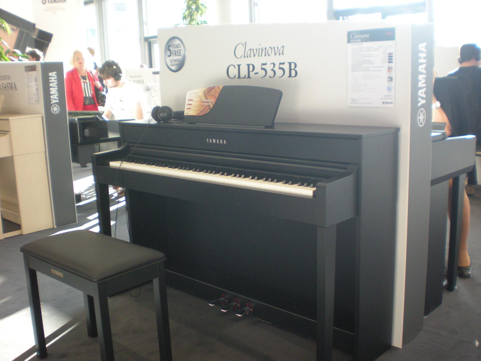 Yamaha_Clavinova_CLP-535.JPG