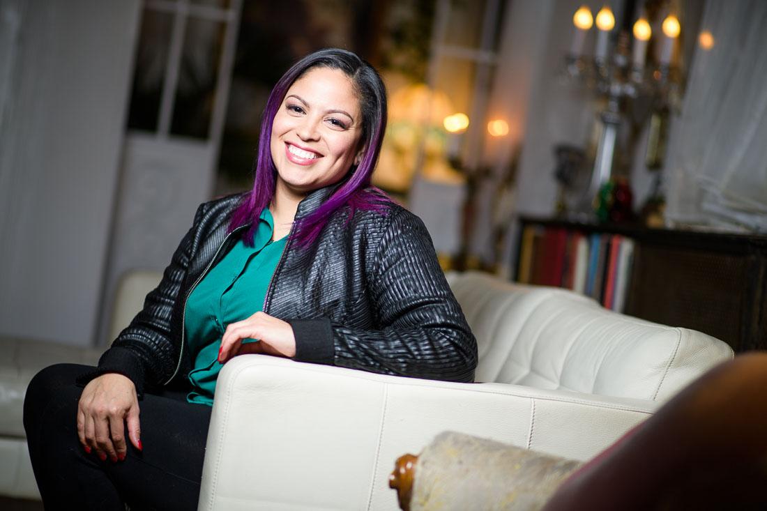 NYC Branded Lifestyle Portraits coach Jenn Scalia smiling for camera