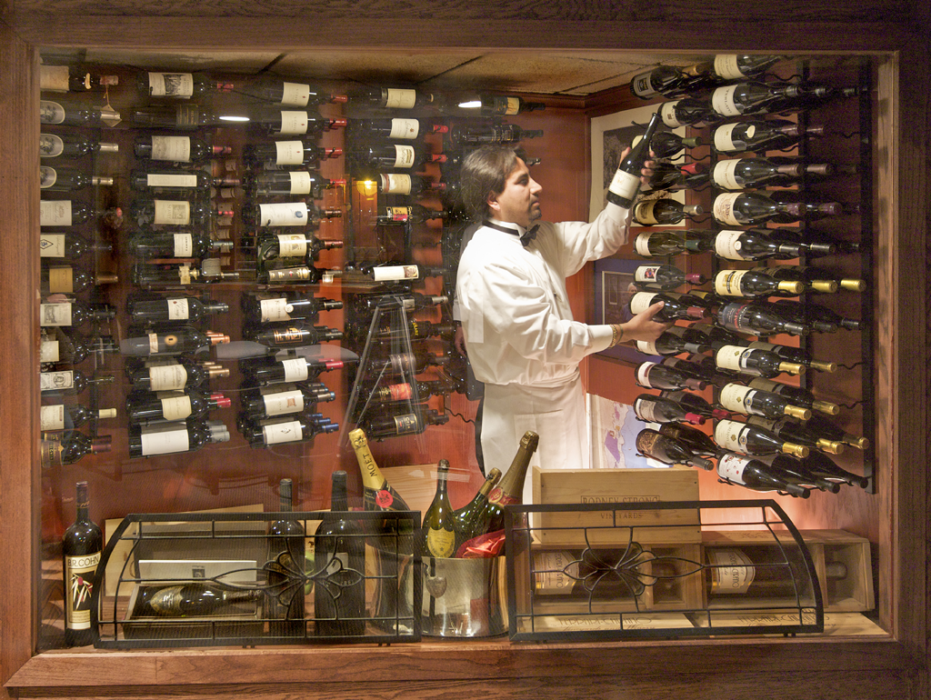 Froggys Wine Display with Victor Angeles.png