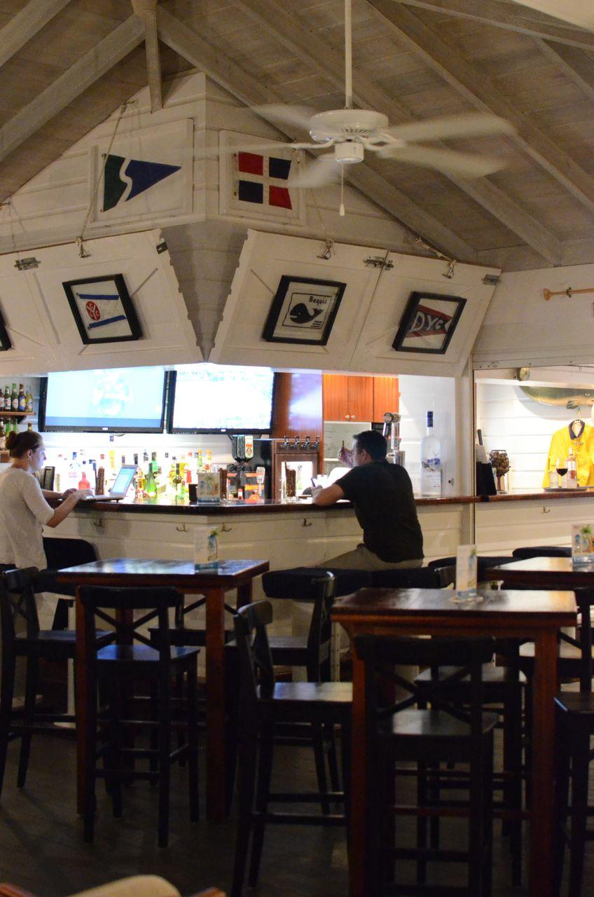 Yachtsman - bar.jpg