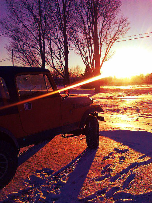 jeep snow hunt.jpg
