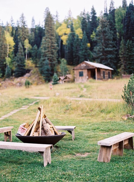mountain cabin wood.jpg