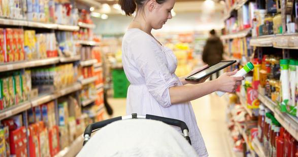 atelier-woman-shopping-ipad.jpg