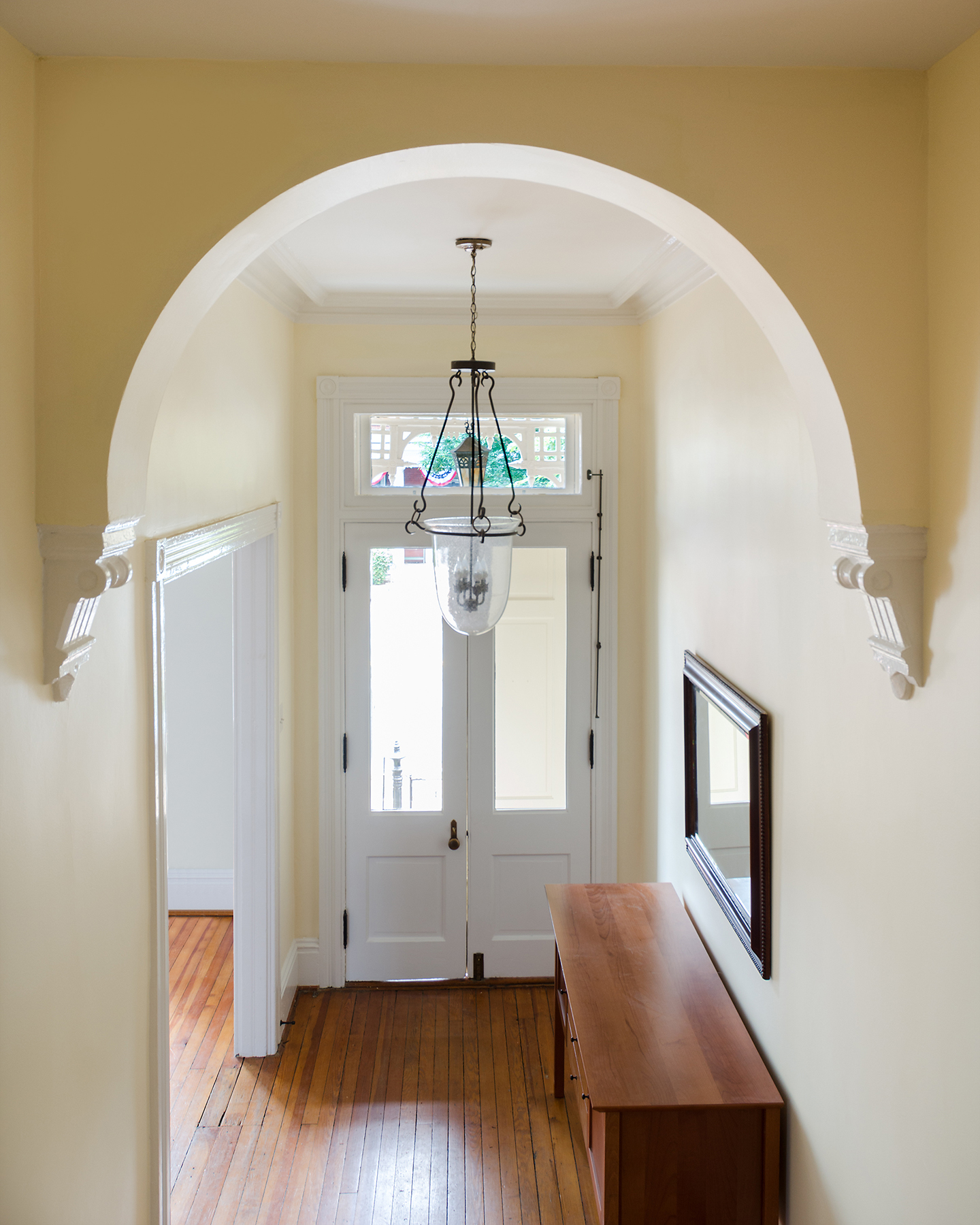 Haines_entrywayfrontdoor.jpg