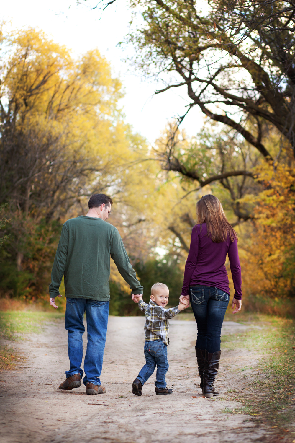 Russtanna_Photography_kearney_nebraska_natural_light_photographer_newborn_senior_family_engagement  (13).jpg