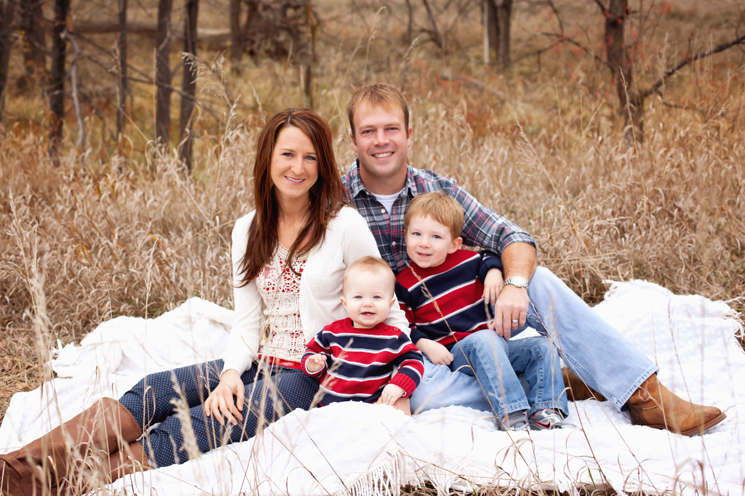 Russtanna_Photography_kearney_nebraska_natural_light_photographer_newborn_senior_family_engagement  (7).jpg