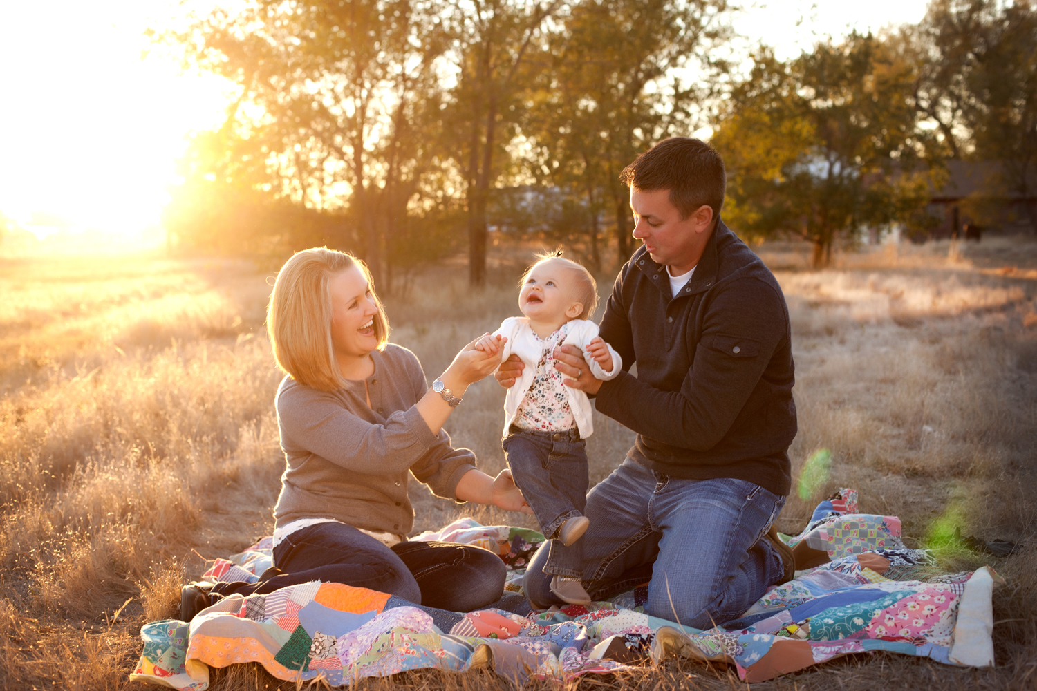 Russtanna_Photography_kearney_nebraska_natural_light_photographer_newborn_senior_family_engagement  (8).jpg