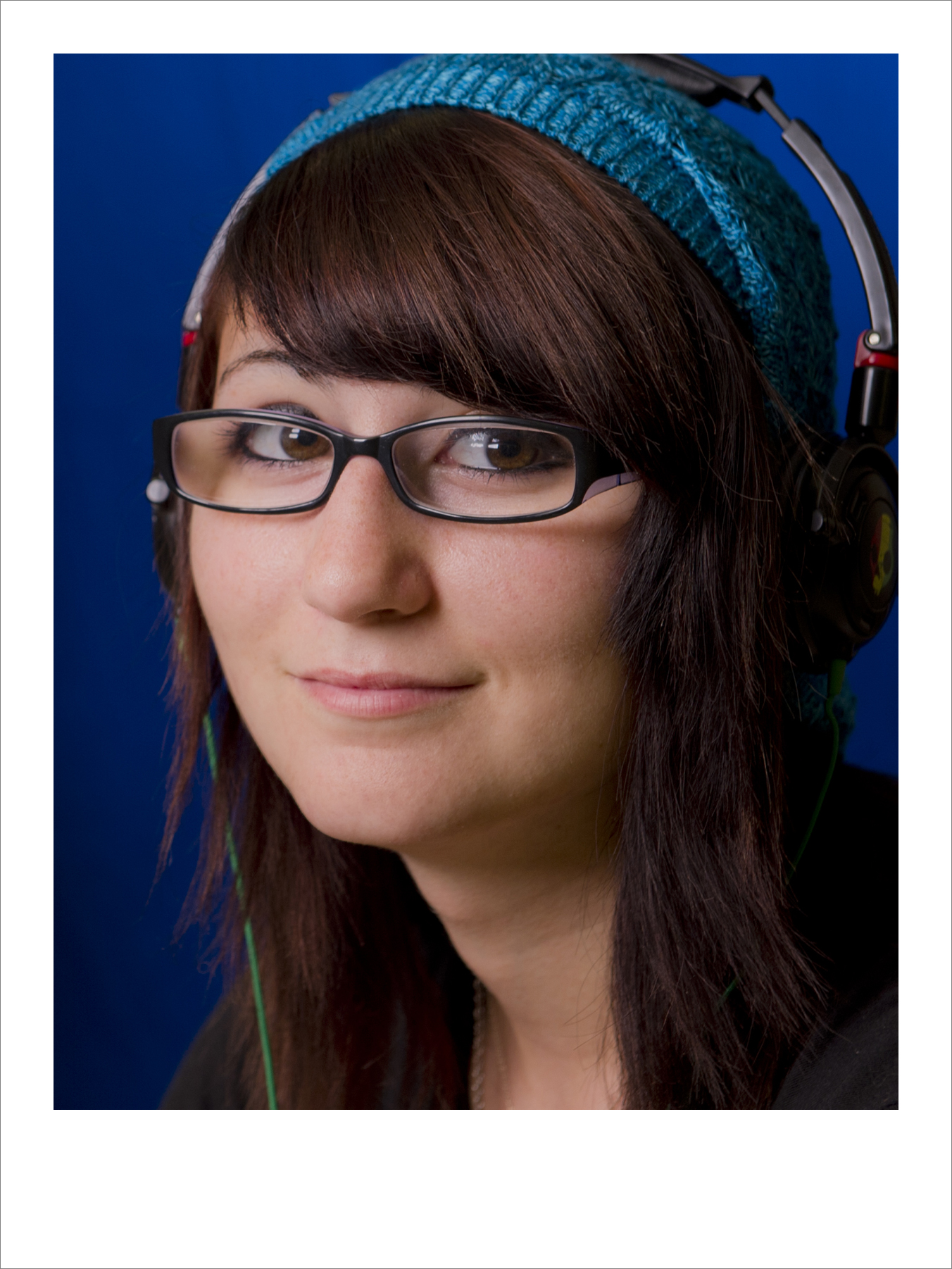nadiea_headphones_headshot.JPG