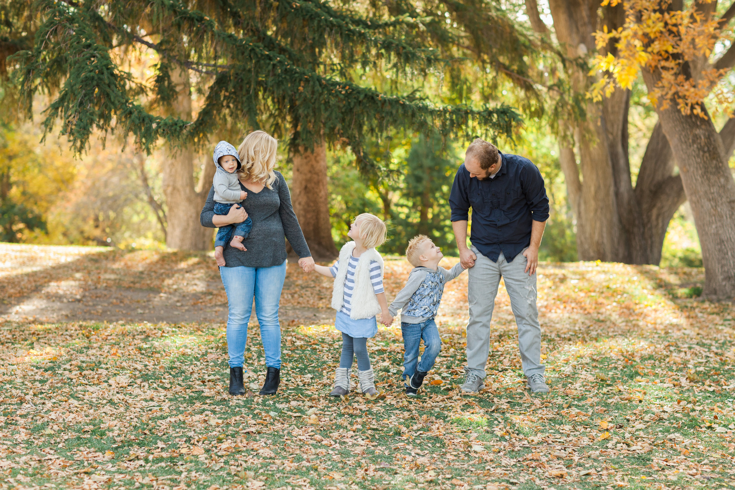 Families - Up to 60 minutes of shoot time, 40+ beautifully edited images.(If you have more than 8 people, there will be an additional fee of $10 per person.)(If scheduled on a weekday, you'll get a $20 discount!)$175 + tax