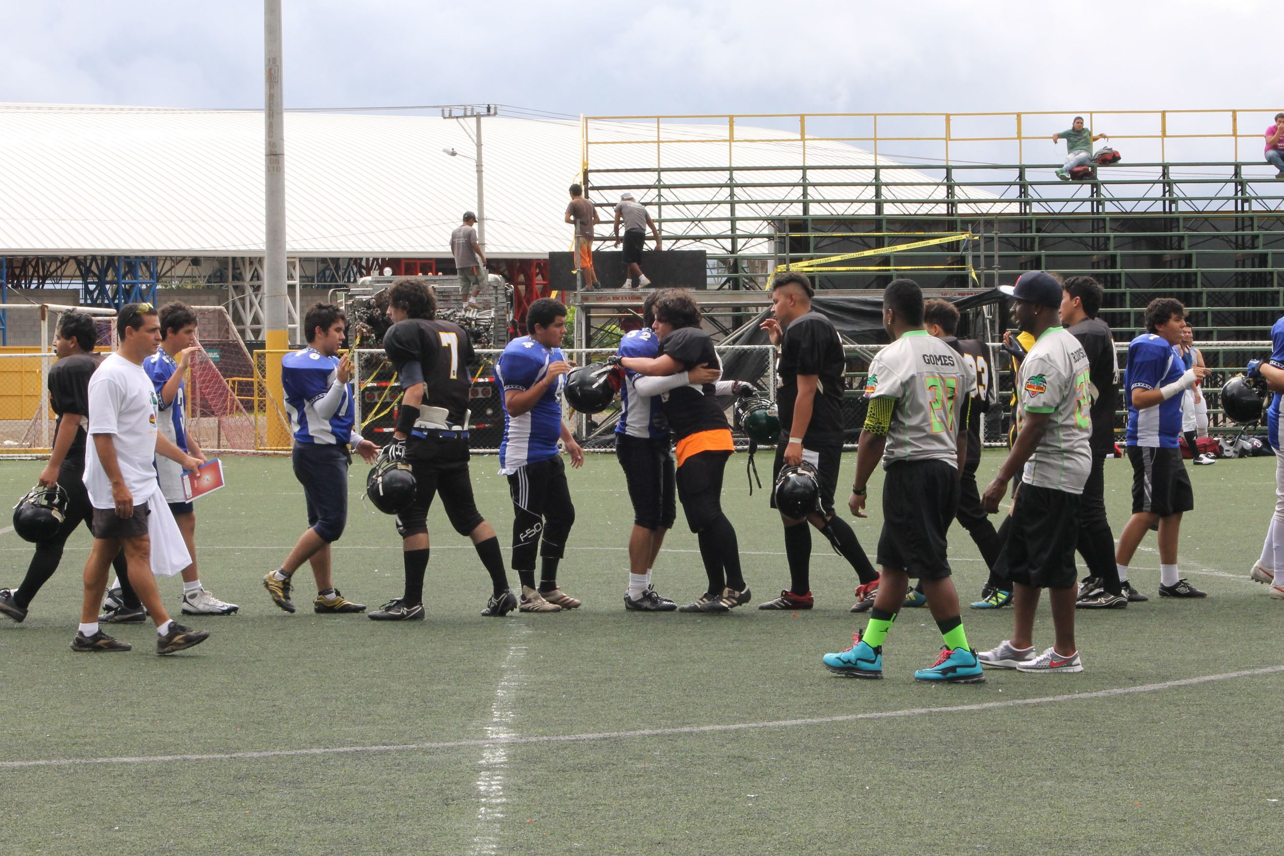 The Dragons 27 - The Blue Hawks 21