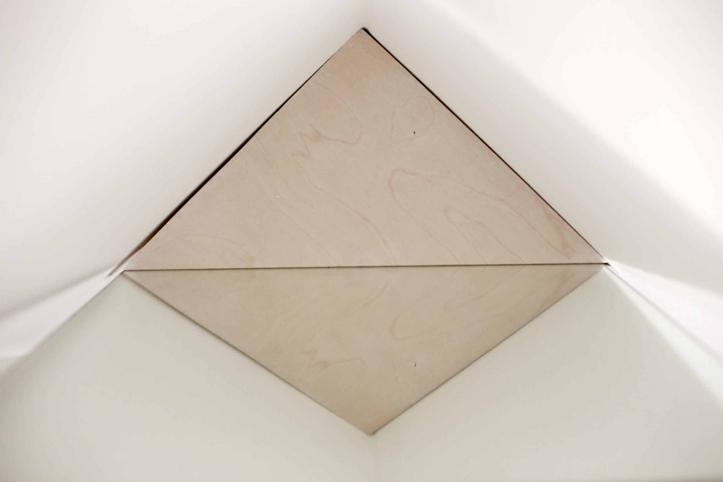Tool for Contemplating Corners (navel-gazer)  2015 [immersive sculpture]