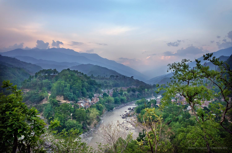Arughat Bazar and the Budhi Gandaki river. Gorkha district.