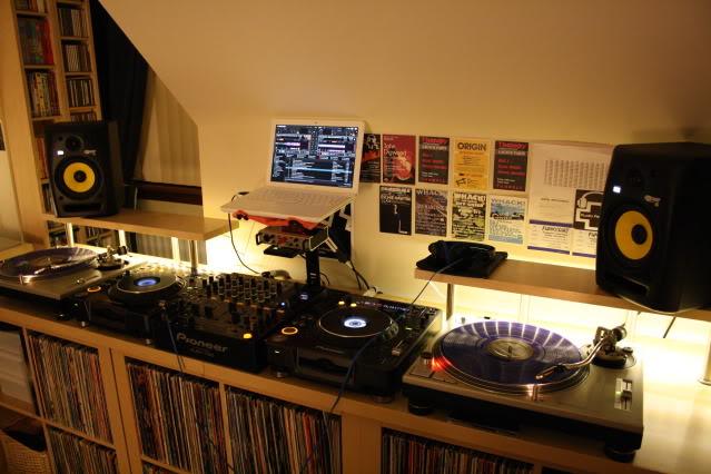 dj-desk-two-lack-boards.jpg