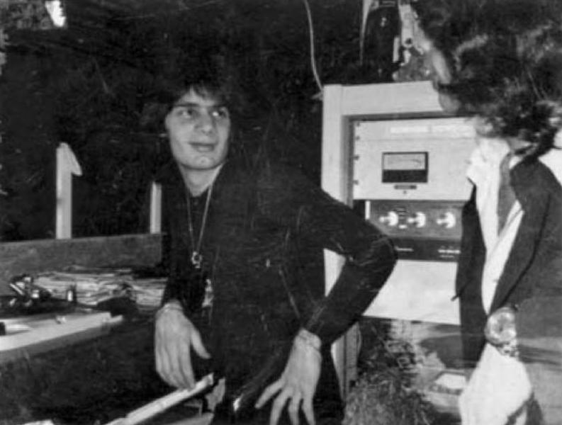傳奇DJ Francis Grasso正在使用Thorens TD-124唱盤