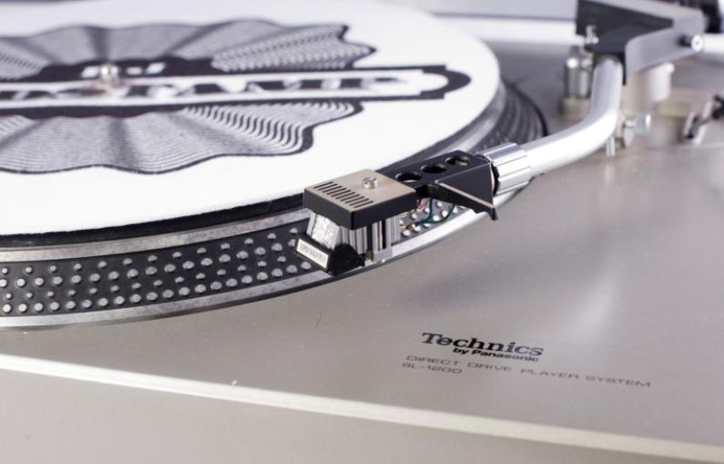 Technics SL-1200 (圖片來自DJpedia)