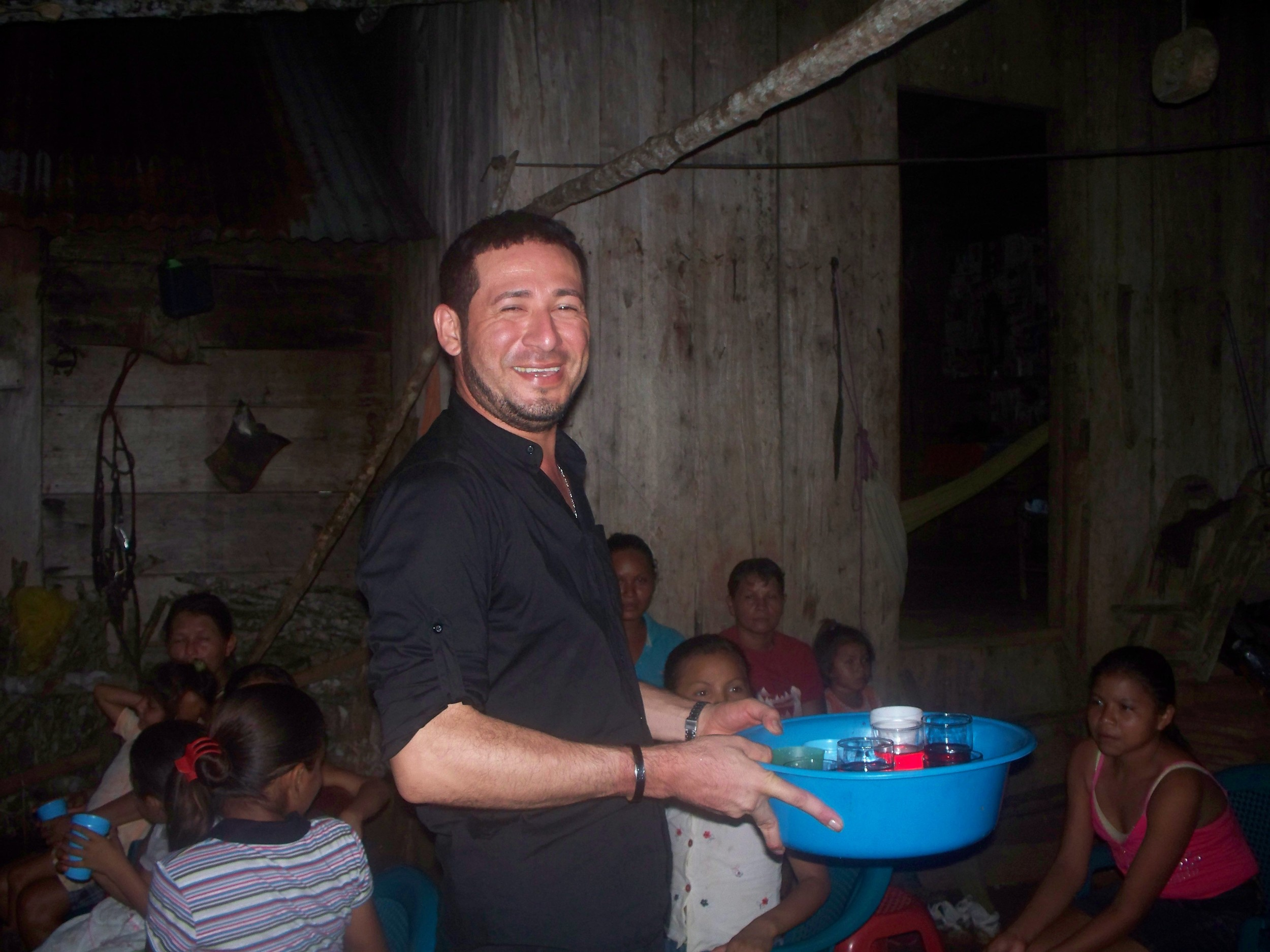 Juan Antonio reconnecting with his family and town in Angostura!