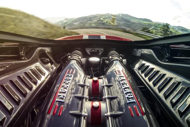 Ferrari 458 Speciale V8 9000rpm Engine Bay GoPro.jpg