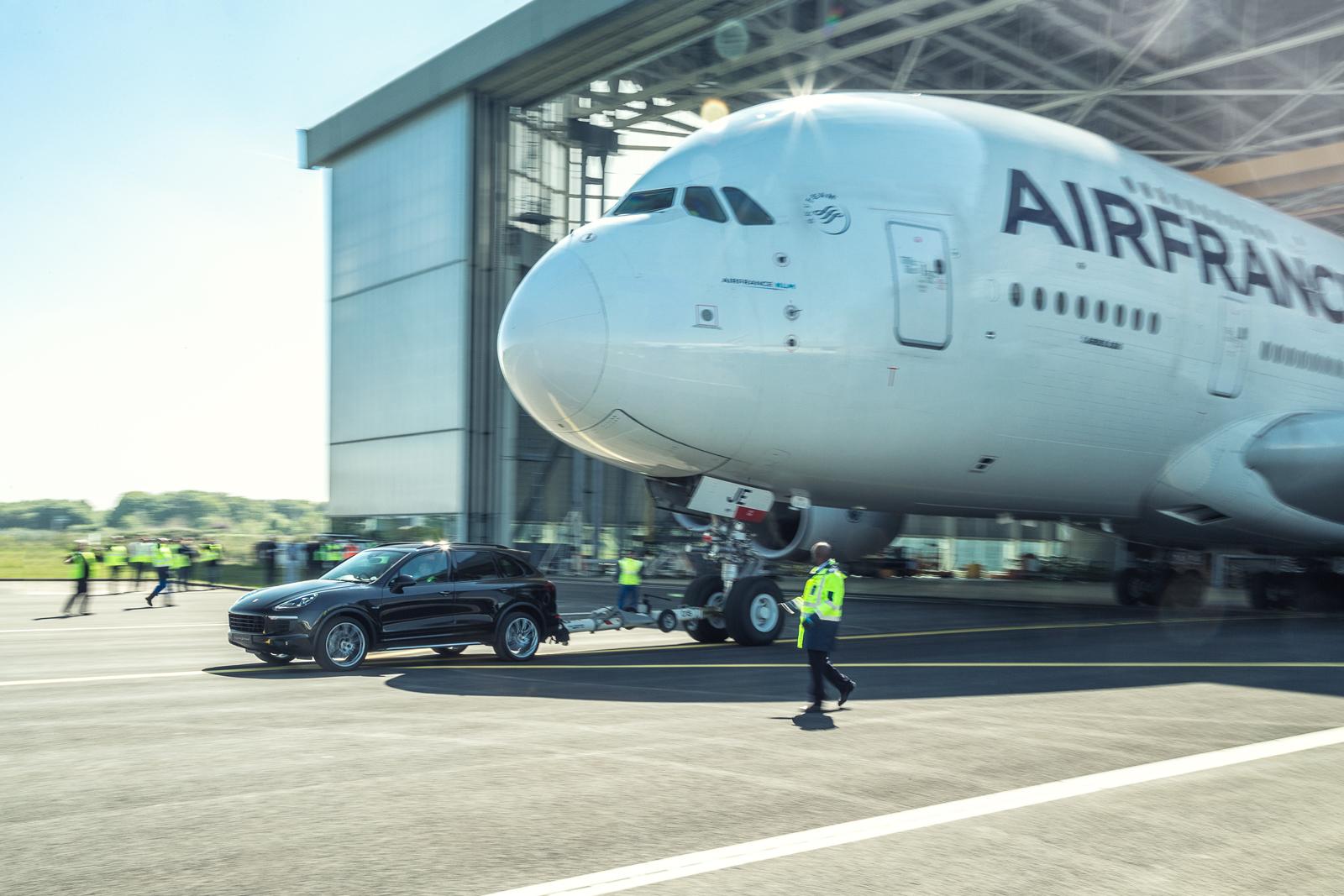 RP - Porsche Cayenne A380 World Record Tow-2.jpg
